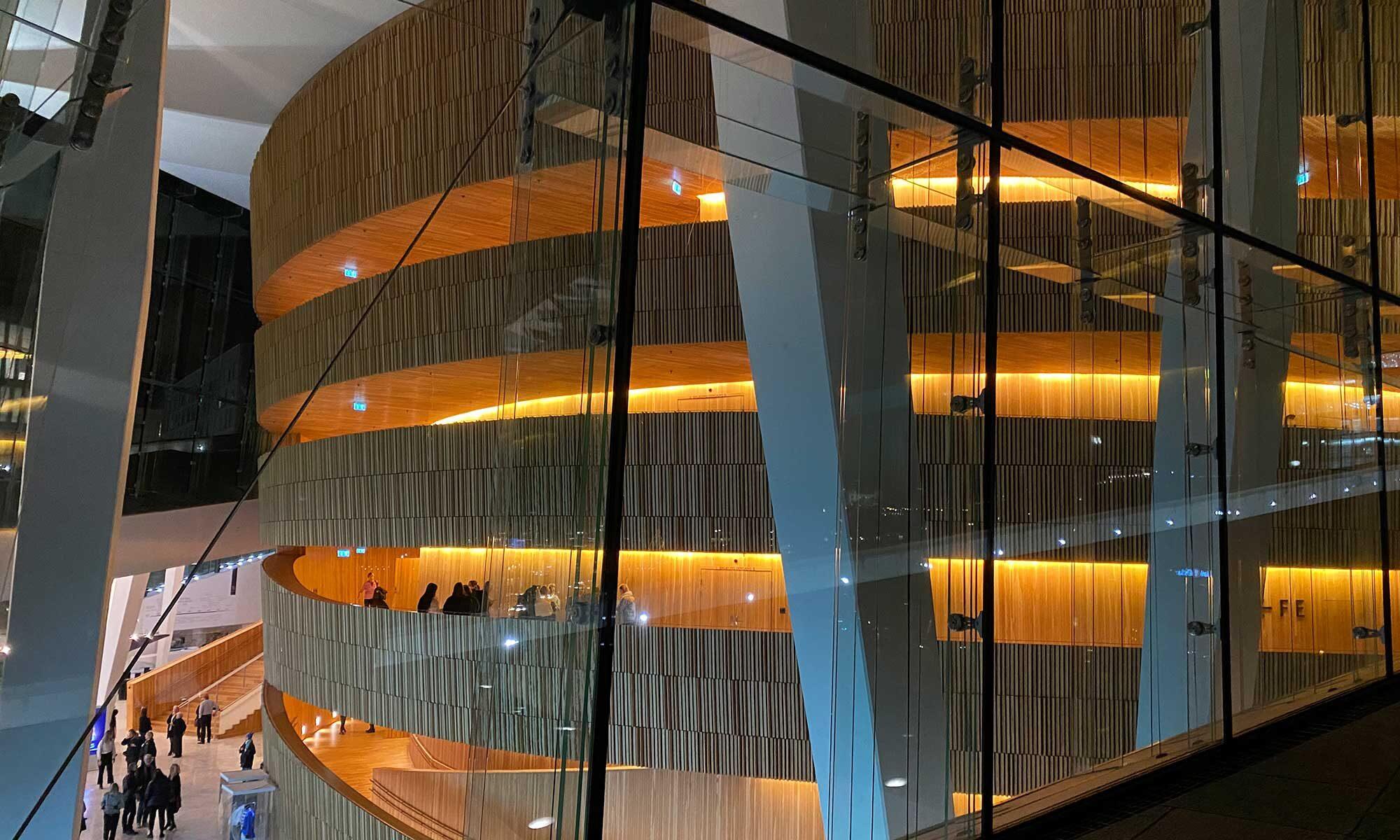 Das Bild zeit das Opernhaus in Oslo