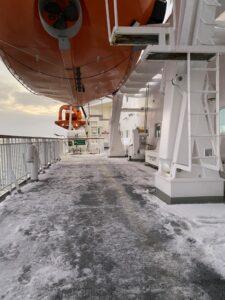 Schnee und Eis an Deck der MS Nordnorge