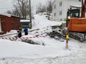 Glaskabel wird verlegt in kleinem Dorf auf den Lofoten Erstklassige Infrastruktur