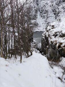 Ausblick auf Spaziergang in Å Schnee auf den Lofoten
