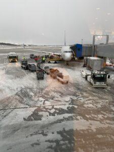 Flugzeug am Fingerdock in Bodø